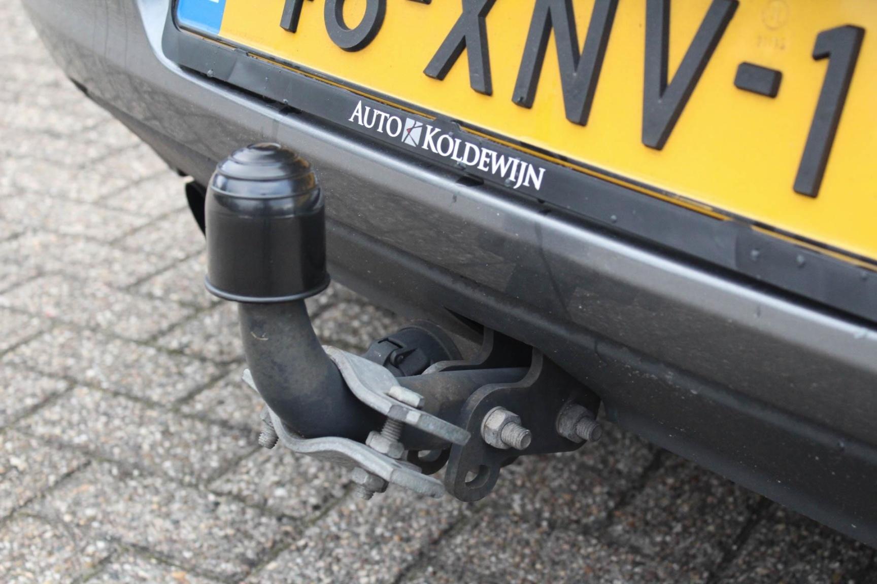 Volkswagen-Golf-6