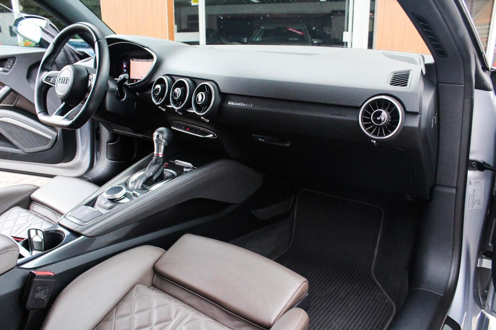 Audi-TT-11