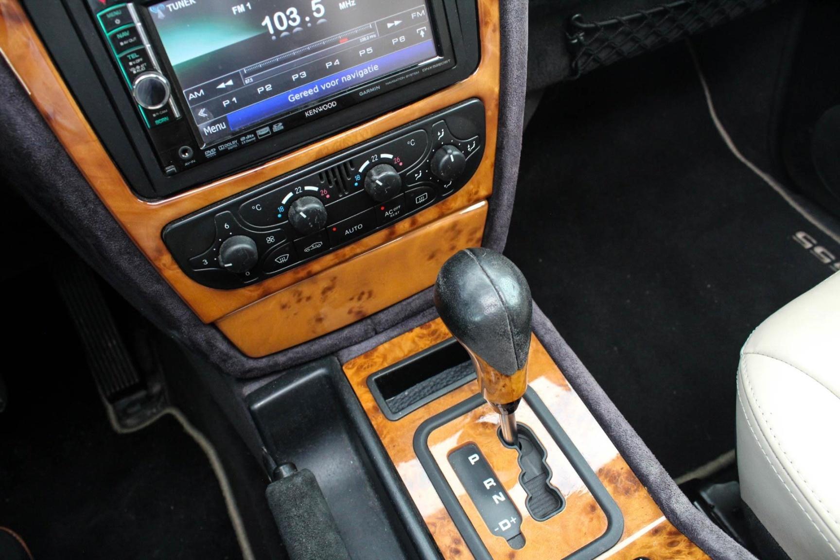 Mercedes-Benz-G-Klasse-20